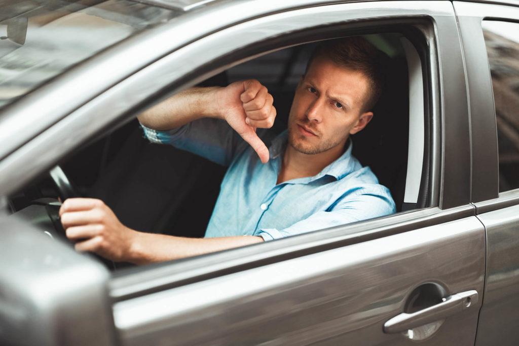 Auto ei ole Eestis arvel ning müüja ei võimalda proovisõitu